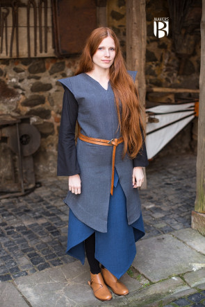 Blue elvish tunic eryn