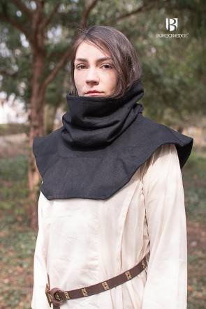 Tube Gugel Noah in black when it is worn without using it as a hood but a scarf.